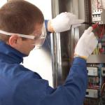Un ajutor confortabil la instalatii electrice