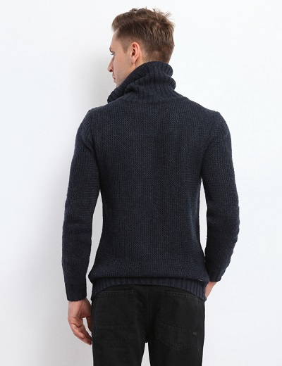 pulover pe gat barbati