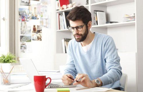 3 lucruri ESENTIALE pe care trebuie sa le ai cand lucrezi de acasa