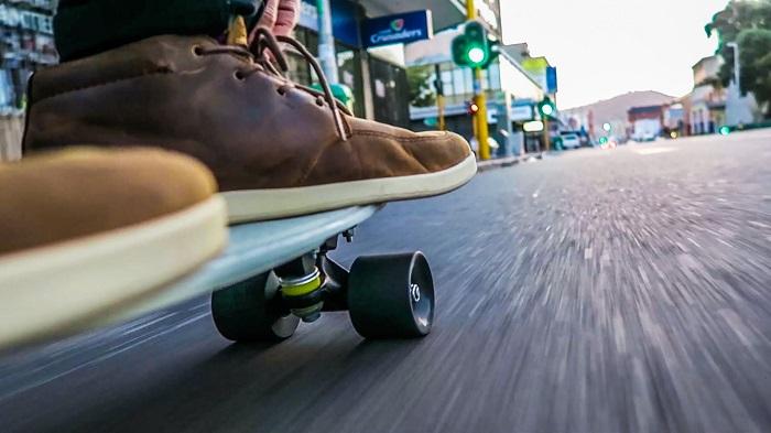 Plimbarea cu penny board-ul, garantia pentru plusul de adrenalina de care ai nevoie