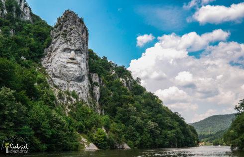 Statuia lui Decebal la Dubova